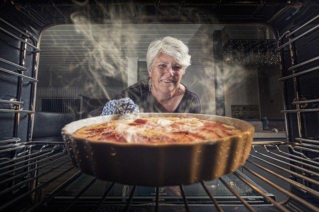 Pulire il forno in modo naturale